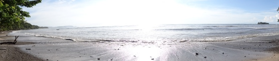 Sun on the beach at Casa Astrid.