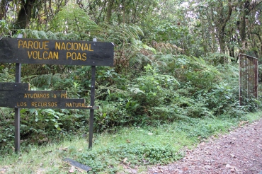 Sign at the top of Volcano Poas.