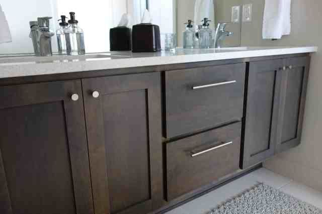Bathroom Cabinets Hardware midtown diy: cabinet hardware   { e m & p i e }
