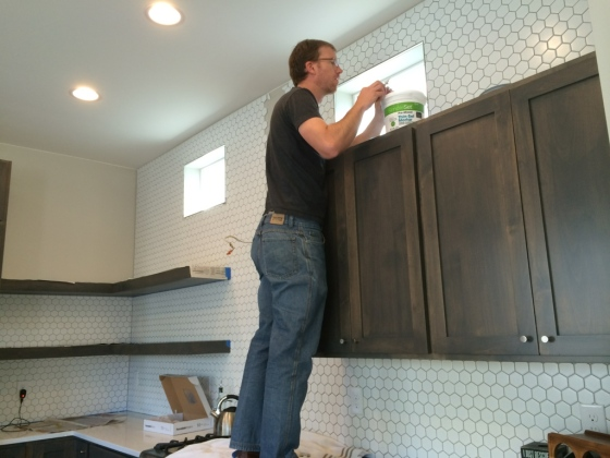 backsplash-tiling