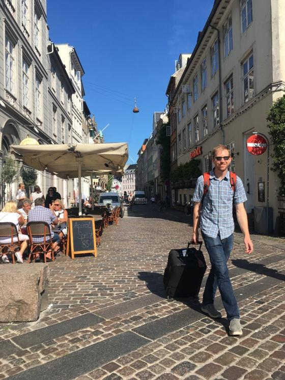 copenhagen nyhaven sidewalk