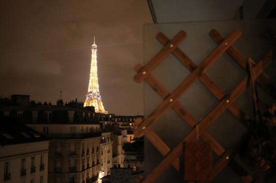 paris eiffel tower balcony view