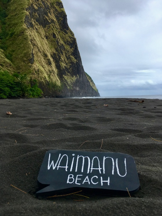 waimanu beach black sand